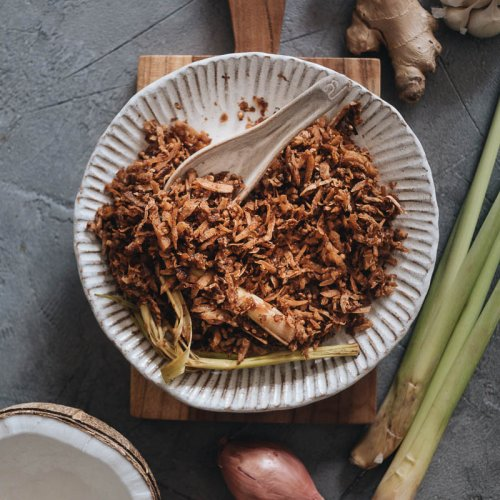 Easy vegan serundeng Indonesian coconut topping