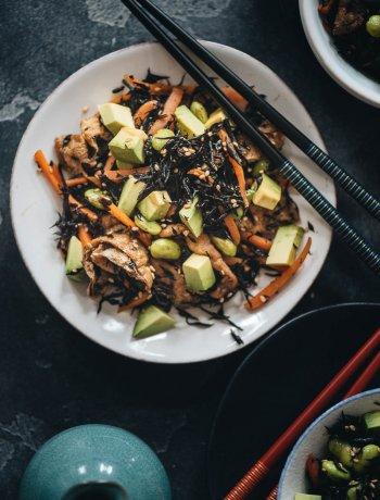 Nutritious hijiki salad snack
