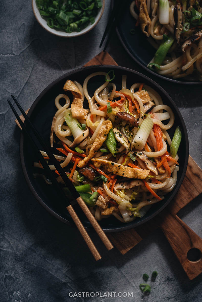Easy plant-based yaki udon with mushrooms and tofu