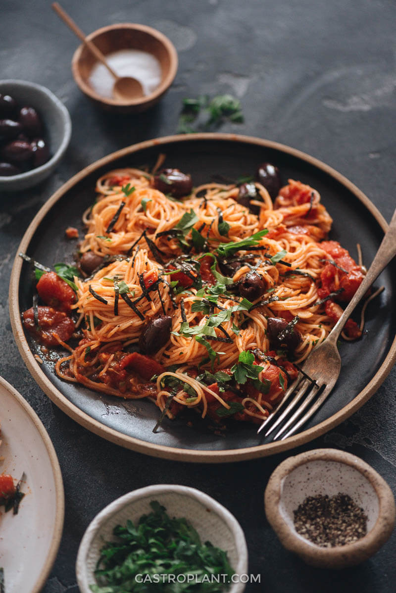 Easy Vegan Spaghetti Puttanesca with olives and capers