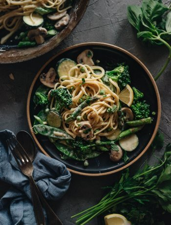 Healthy Creamy Vegan Pasta Primavera with Tons of Veggies