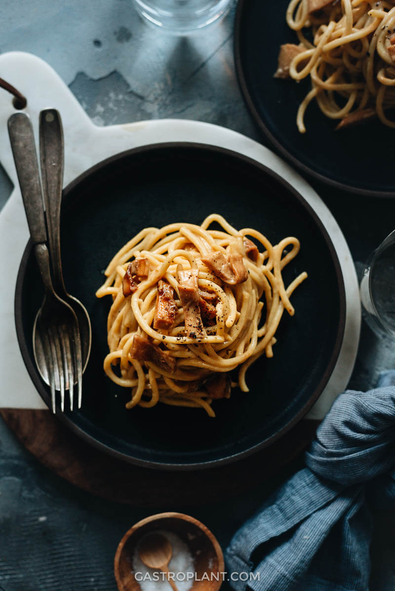 Easy Creamy Vegan Carbonara Spaghetti for Dinner