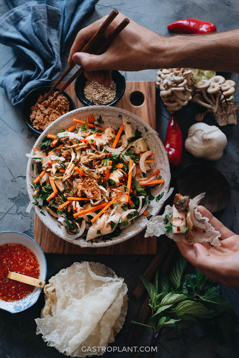 Easy Vegan Vietnamese jackfruit salad with chips