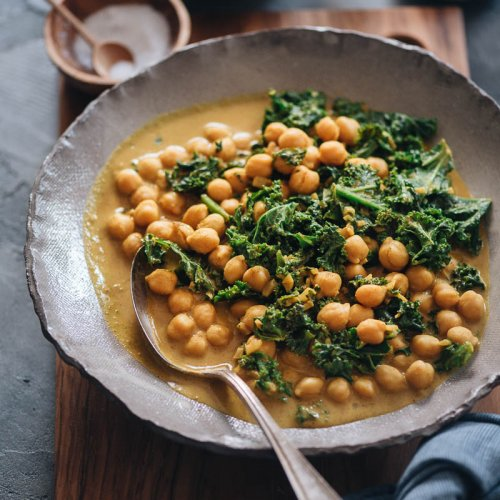 A big, fast bowl of vegan chickpea curry with kale