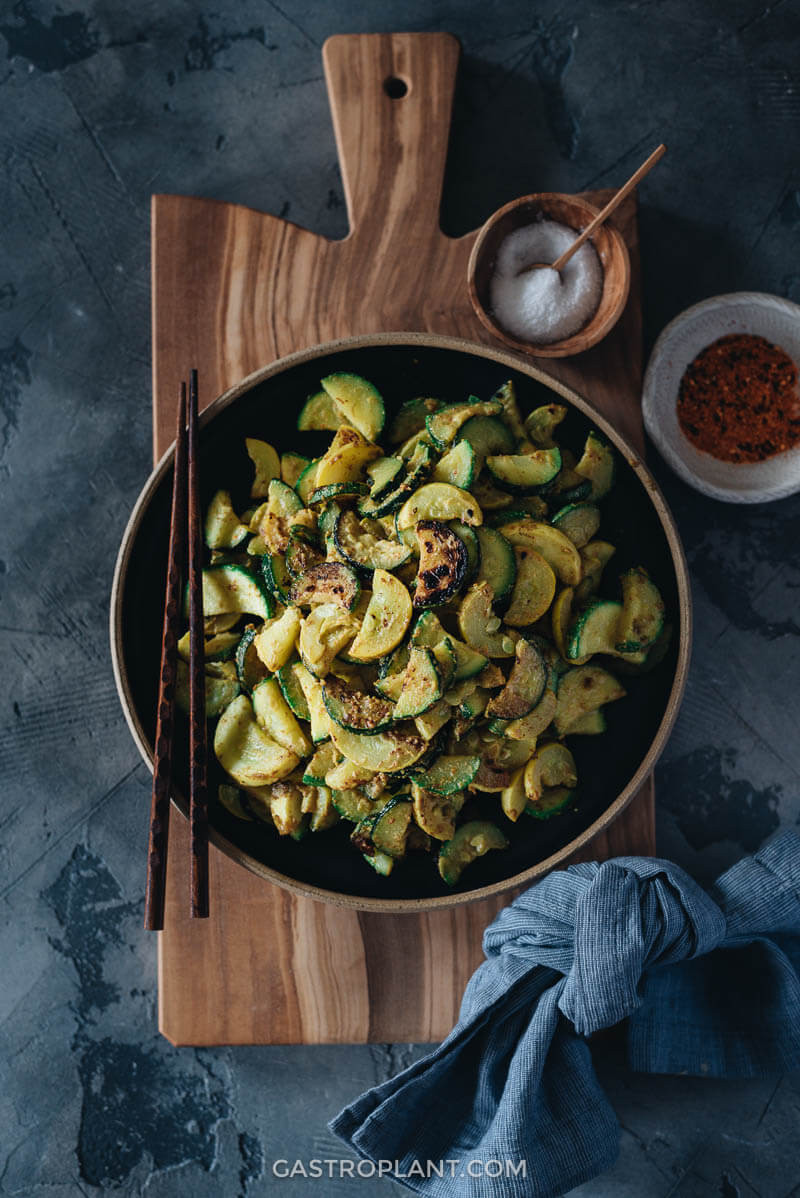 Easy side dish of 3-ingredient sauteed summer squash