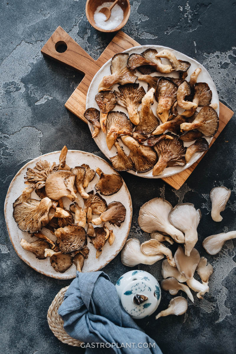 Easy roasted oyster mushrooms as a side dish