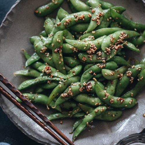 A bowl of easy, quick smoky spicy edamame