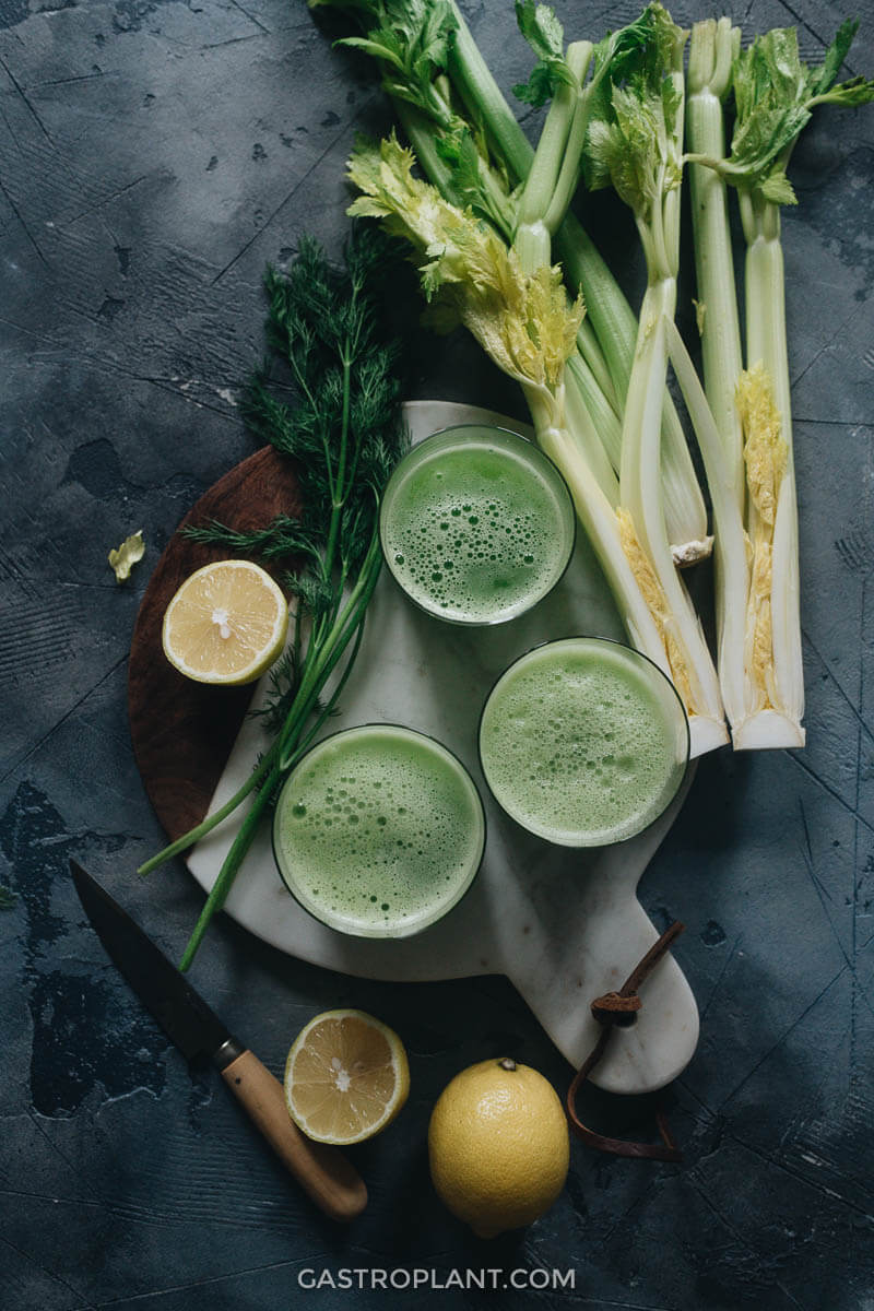 Easy quick 3-ingredient celery smoothie with fresh ingredients