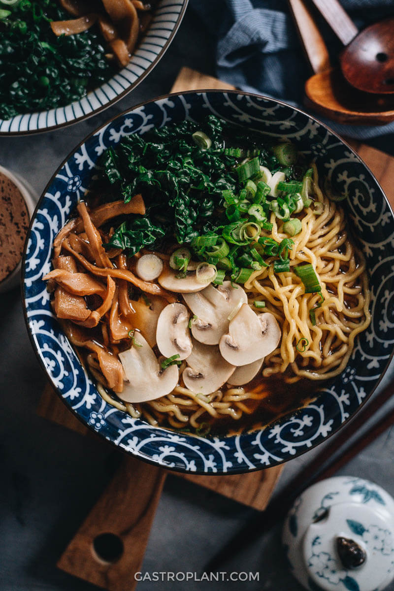 Easy vegan shoyu ramen noodle soup with mushrooms and kale
