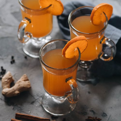 Easy spiked mulled apple cider and assorted spices